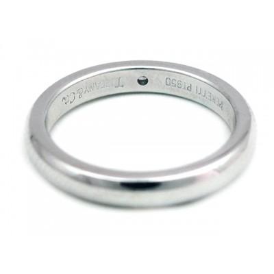 Ladies Tiffany & Co Wedding Band in Platinum with Round Brilliant Diamond