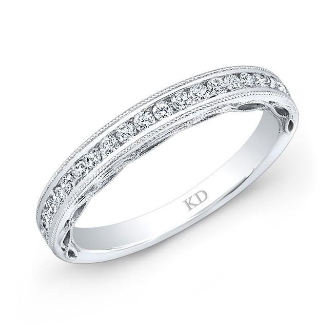 18 K SINGLE ROW WHITE DIAMOND WEDDING BAND