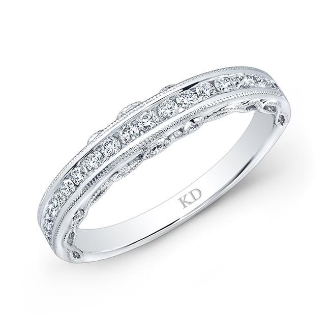 SINGLE ROW WHITE DIAMOND WEDDING BAND
